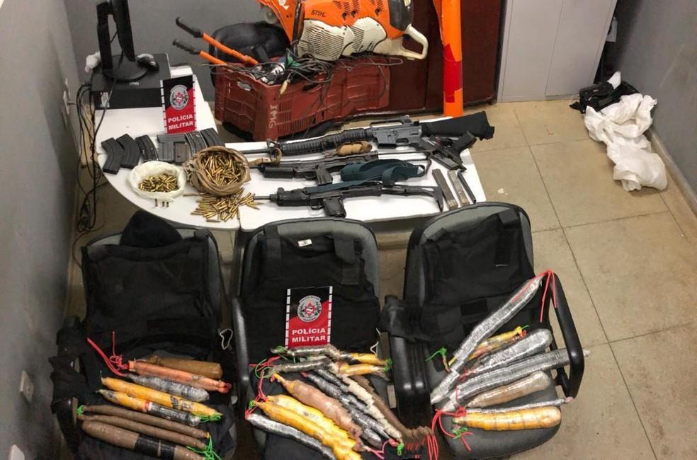 Materiais utilizados em explosões a banco foram apreendido com grupo pela Polícia Militar — Foto: Major S. Filho/PMPB/Divulgação