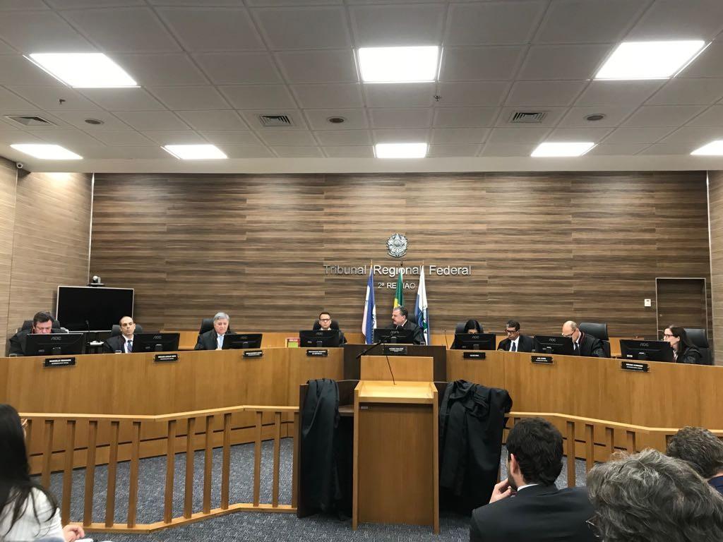 TRF2 suspende liminar que fazia a Presidência e o Congresso estudarem envio do fundo eleitoral para combate ao Covid-19