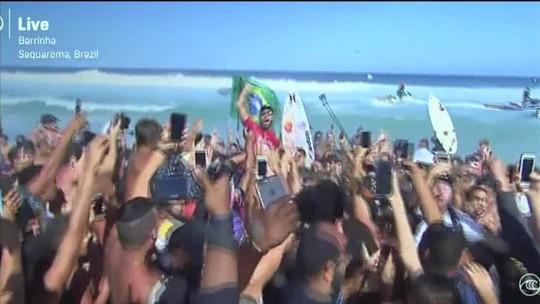 Filipe Toledo conquista bicampeonato da etapa de Saquarema do Mundial de Surfe