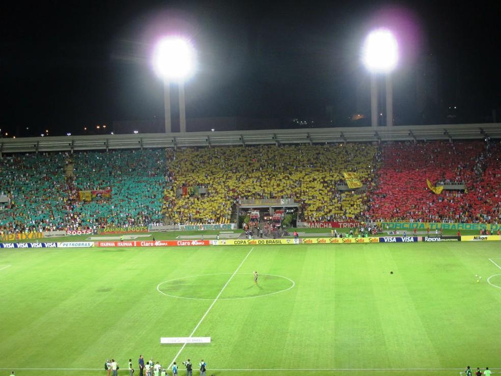 Imagem do duelo entre Sampaio e Palmeiras pela Copa do Brasil 2014, com vitória do Tricolor por 2 a 1 — Foto: Marcelo Hazan