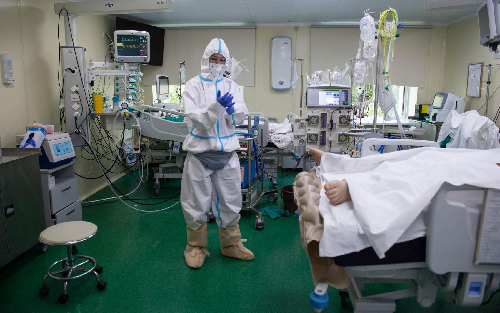 Rússia supera pela primeira vez 1 mil mortes diárias pela Covid-19