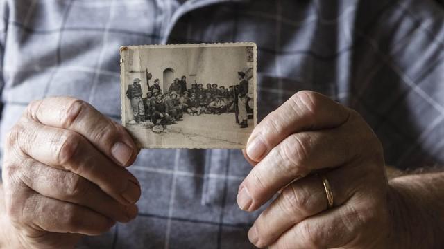 Família se mudou para Israel após ditadura comunista na Romênia (Foto: Gui Christ / BBC)