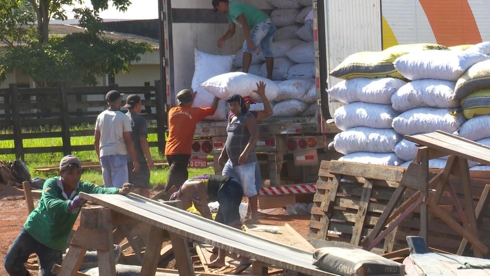 Serviço de exportação movimenta 6 milhões de dólares na região, diz Associação Comercial  (Foto: Rede Amazônica / reprodução )