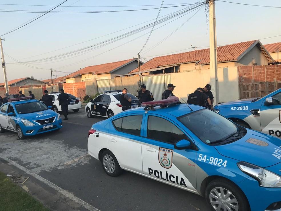 Operação acontece no bairro Santa Rosa nesta quinta-feira (19) — Foto: Cleber Rodrigues/ Inter TV