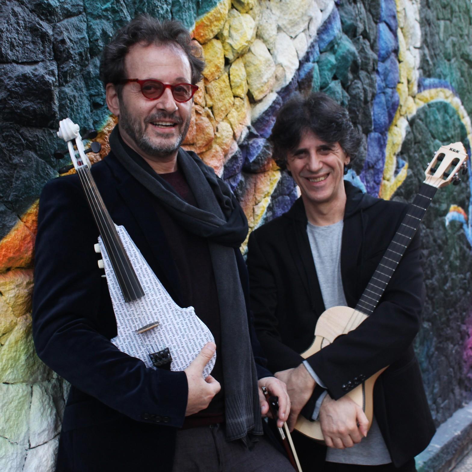 Kleiton & Kledir lançam no Brasil o álbum em espanhol gravado pela dupla em 1984