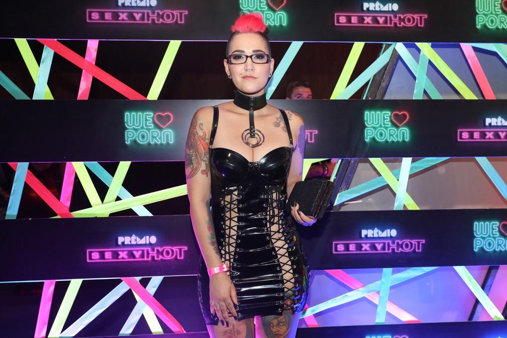 A atriz e diretora Mila Spook chega ao Prêmio Sexy Hot 2018 — Foto: Celso Tavares/G1