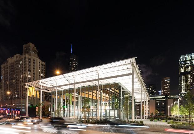 Unidade do McDonald's inaugurada no início do mês apresenta design moderno e aposta na sustentabilidade (Foto: Divulgação)