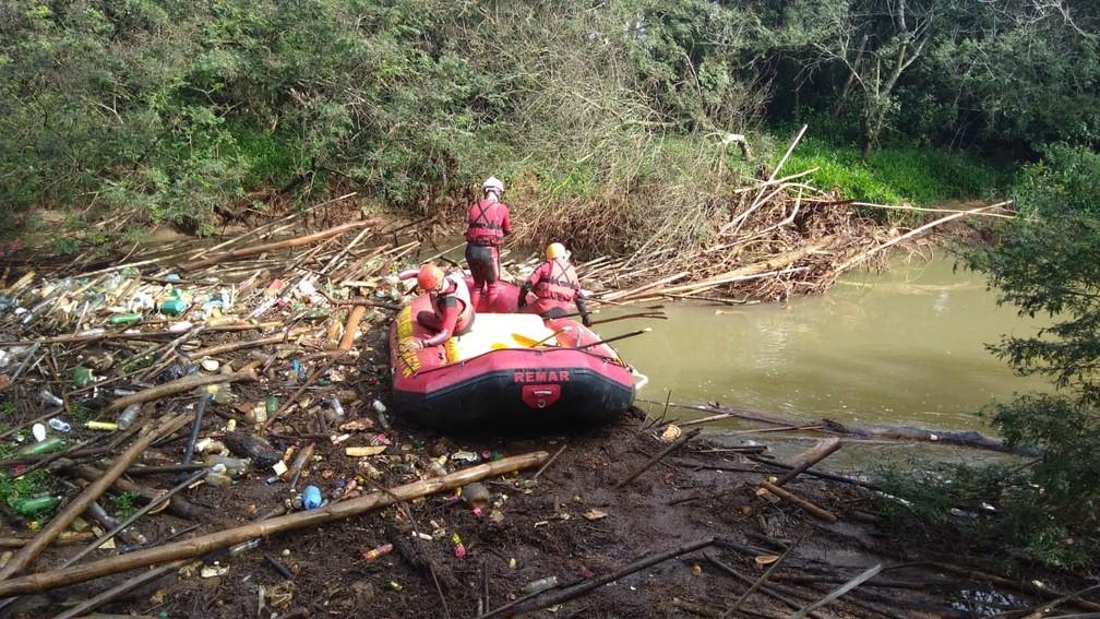 Trecho do rio que o cão foi localizado pelos bombeiros — Foto: Corpo de Bombeiros/ Divulgação