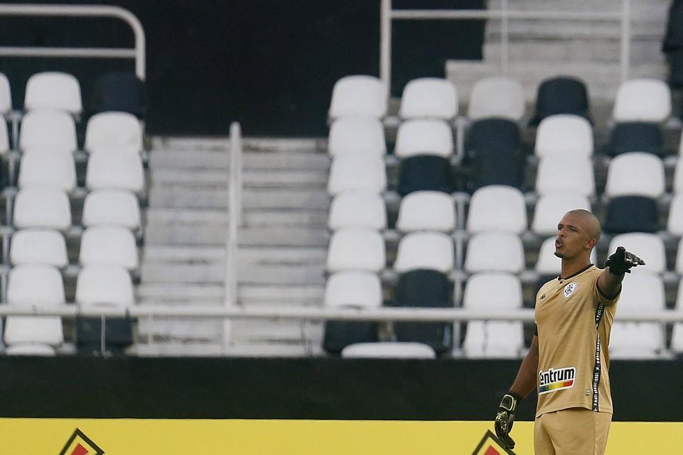 Diego Loureiro vira alvo do Atlético-GO — Foto: Vitor Silva/Botafogo