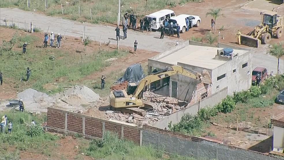 Operação de derrubada do Assentamento 26 de Setembro, no DF, em imagem de arquivo — Foto: TV Globo/Reprodução