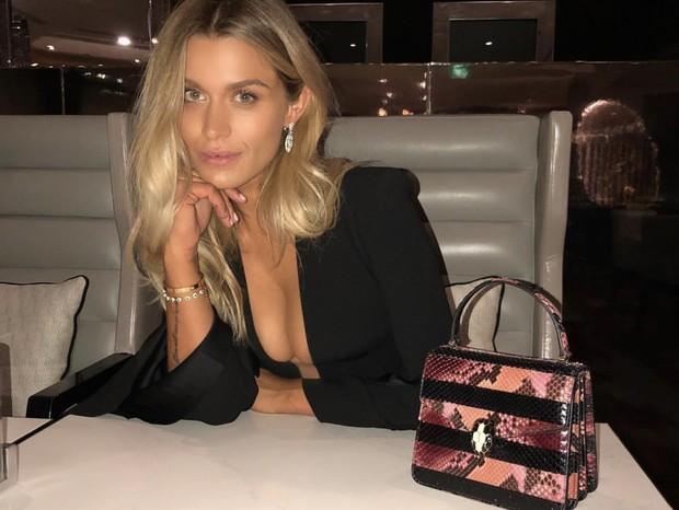 A modelo e cantora australiana Cheyenne Tozzi, namorada do modelo e mãe de Dalia, de dois meses (Foto: Reprodução Instagram)