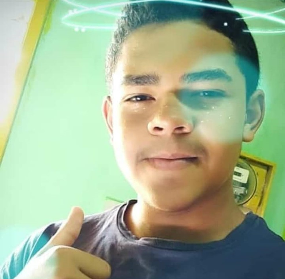 Coroinha morre atingido por bala perdida no Bairro Jacarecanga, em Fortaleza — Foto: Reprodução