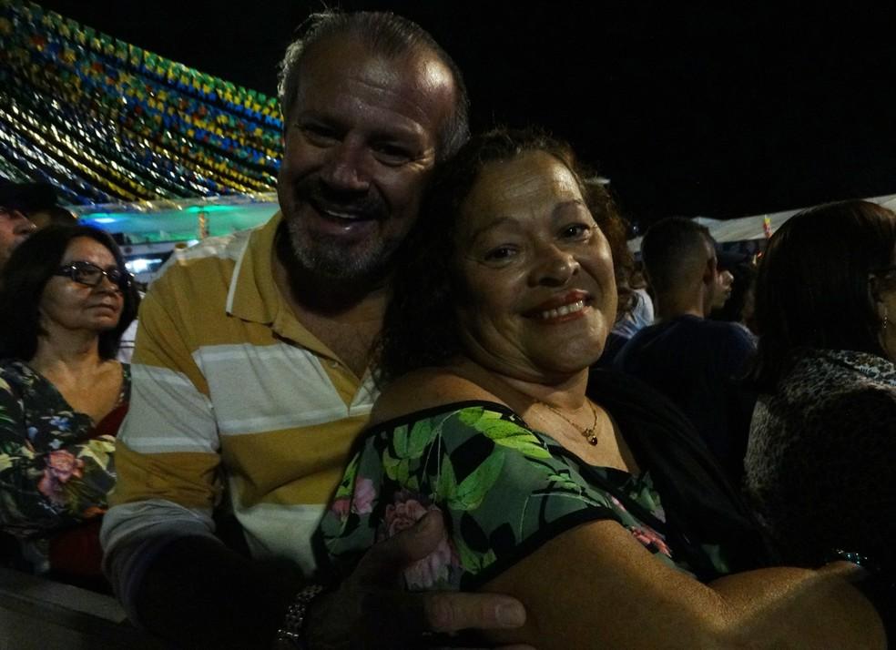 Casal quer ir todas as noites de junho (Foto: Lafaete Vaz/G1)