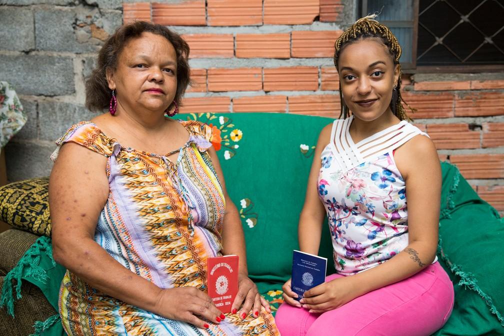 Geni Aparecida de Oliveira e a filha Natalie Flaviane de Moura vivenciaram dificuldades dos trabalhadores negros no mercado de trabalho (Foto: Celso Tavares/G1)
