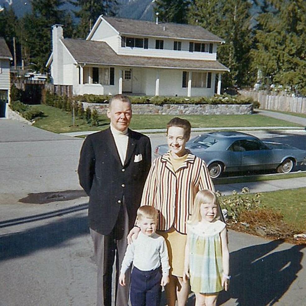 Warren, Ruth, Teddy and Pauline, por volta de 1969, antes da separação do casal (Foto: Arquivo pessoal)