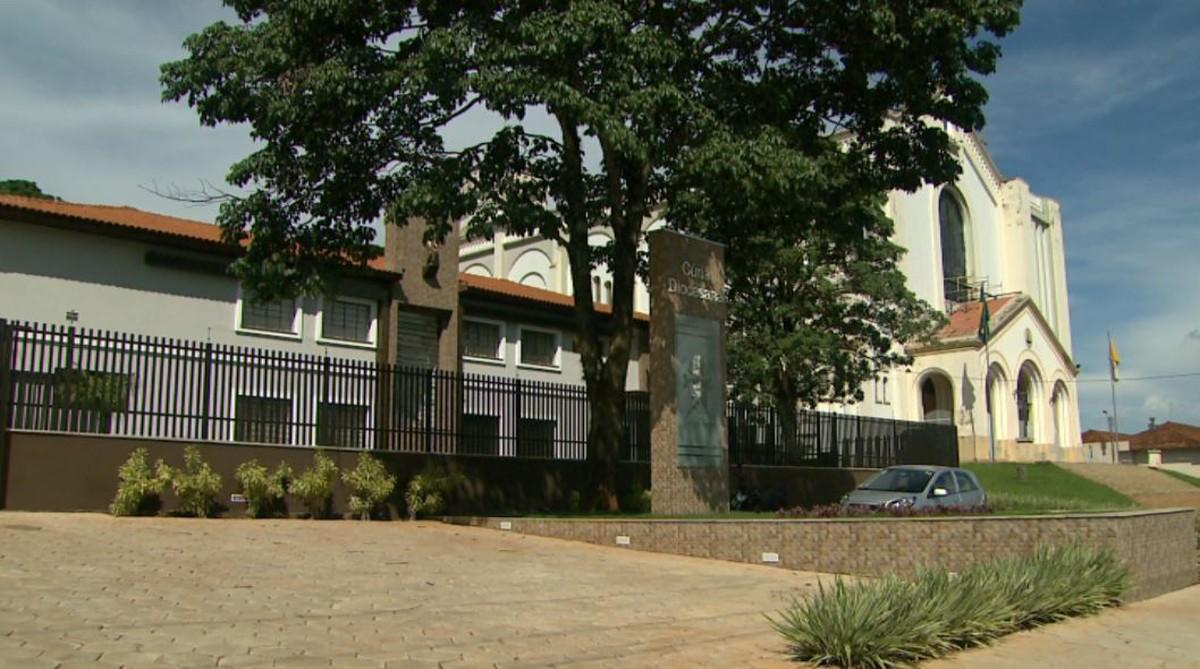 Padre é preso em Jaboticabal, SP, acusado de estuprar adolescente no interior de MG - G1