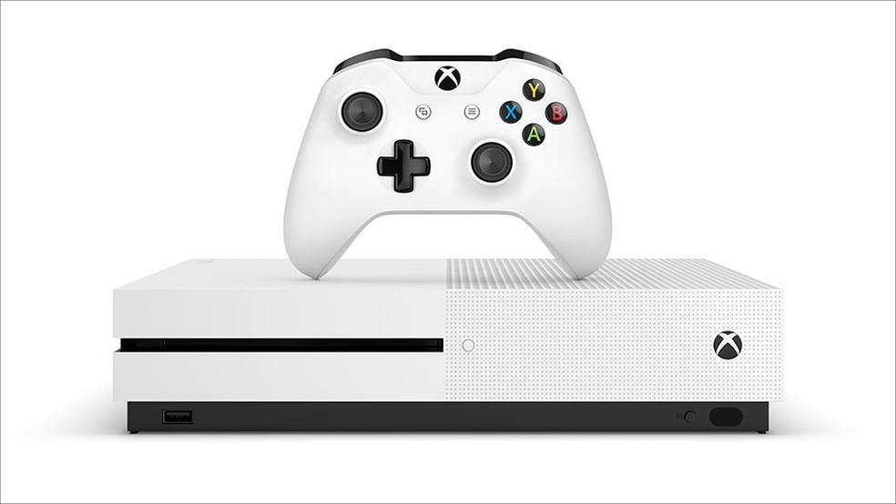 Xbox One S repete sucesso do mês anterior  — Foto: Divulgação/Microsoft
