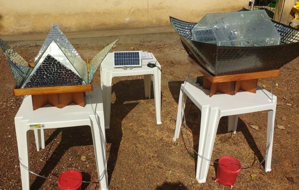 Primeiro protótipo criado pelo aluno do Amapá era em formato de pirâmide. O segundo, mais elaborado, ganhou forma de casa (Foto: Aldenir Melo/Arquivo Pessoal)