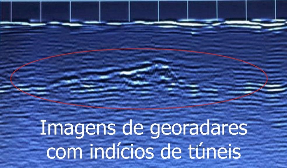 Grupo de geólogos da UFRGS estudou a região onde o túnel passaria, e encontrou vazios, que podem sinalizar presença da estrutura — Foto: Reprodução