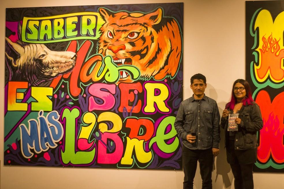 Do Peru, o projeto Carga Máxima pesquisa grafismos pintados à mão que estampam letreiros de caminhões, carrinhos de comida, ônibus e uma variedade de suportes comunicativos. — Foto: Divulgação/Carga Maxima