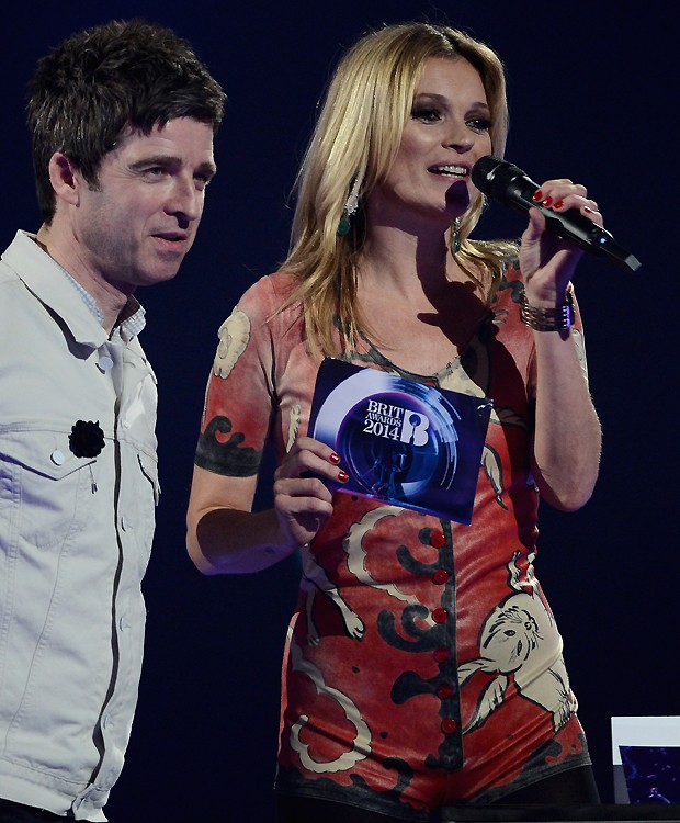 Kate Moss ao lado de Noel Gallagher (Foto: Getty Images)