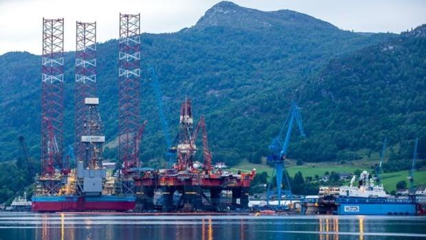Apesar da exploração de combustíveis fósseis, Noruega é líder em desenvolvimento de veículos elétricos (Foto: Getty Images via BBC)