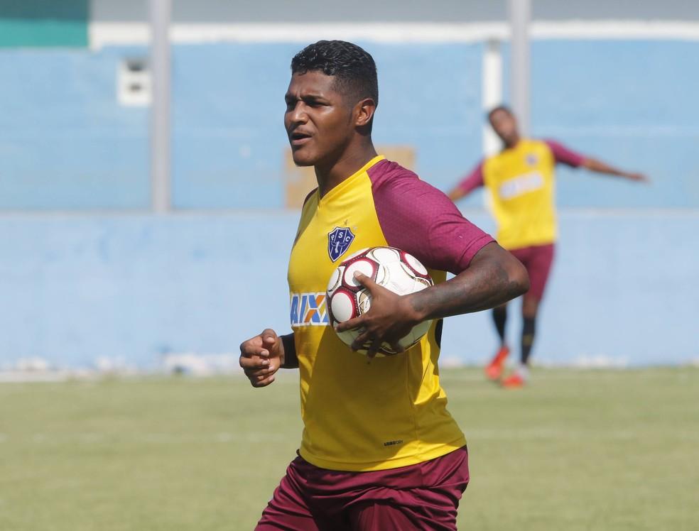 ... Rodrigo Andrade foi vendido ao Vitória-BA. Atleta embarca para Salvador  neste domingo ( a8f180aebe891