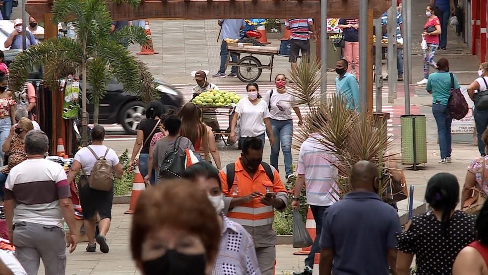 Pagamento do 13º salário deve injetar R$ 2,4 bilhões na economia do RN, diz Dieese — Foto: Reprodução/TV Integração