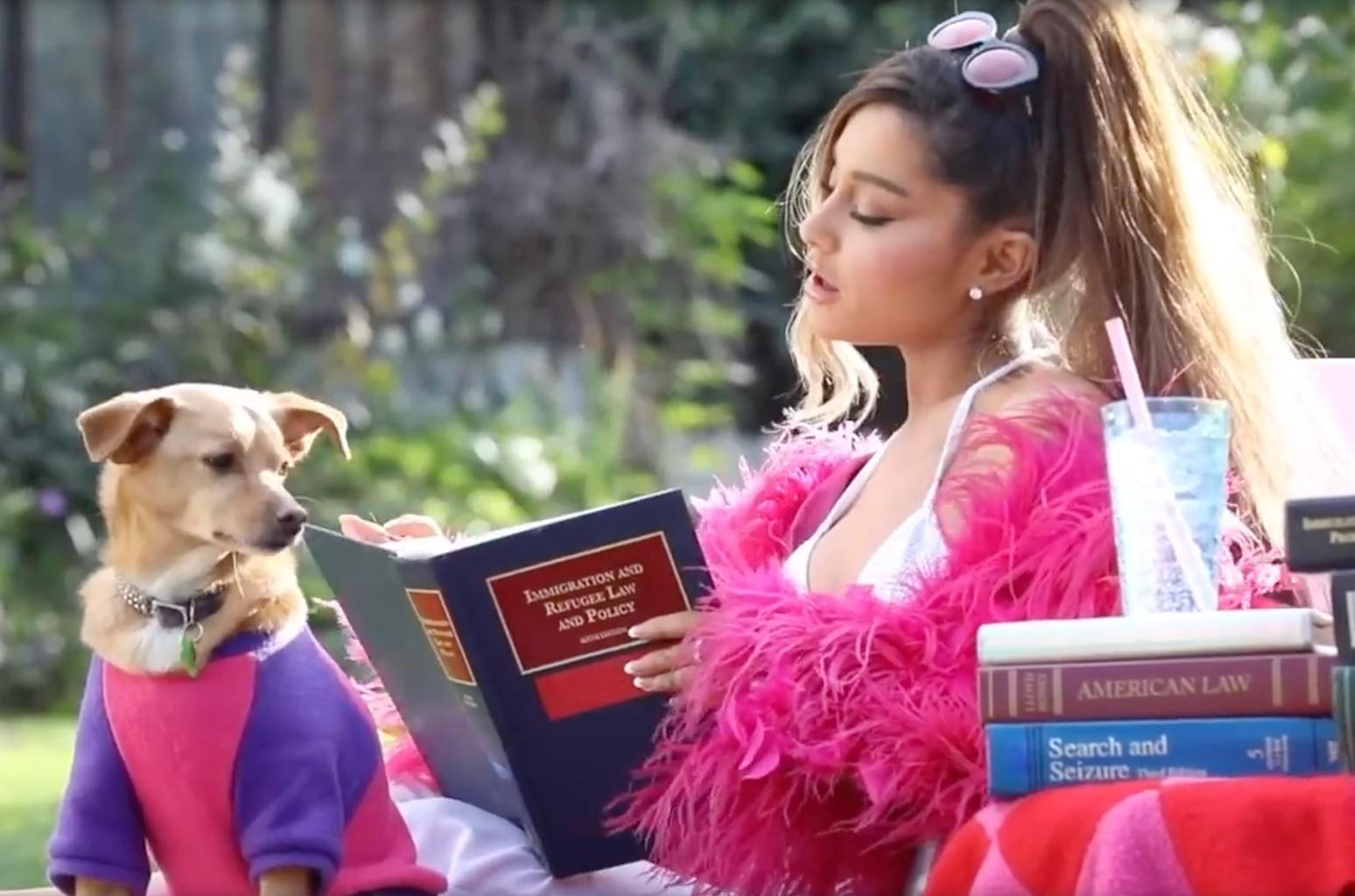 """Ariana Grande em """"Thank U, Next"""" (Foto: Reprodução YouTube)"""