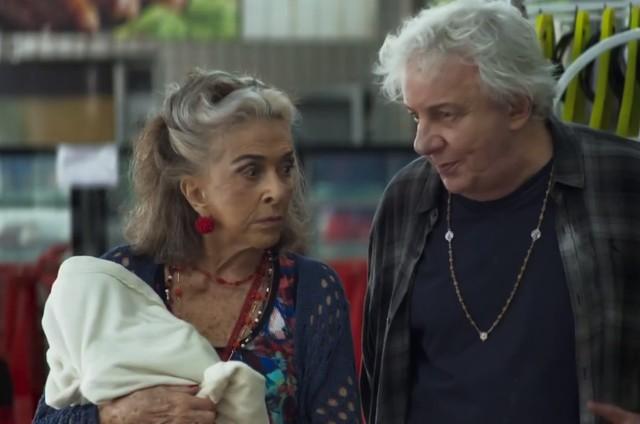 'A dona do pedaço': Betty Faria e Marco Nanini em cena (Foto: TV Globo )