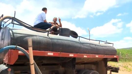 Sem água, população de Marcolândia paga até R$ 200 por carros-pipa