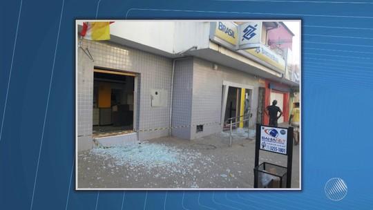 Bandidos rendem vigilante e explodem cofre de agência bancária em Camamu, baixo sul da Bahia