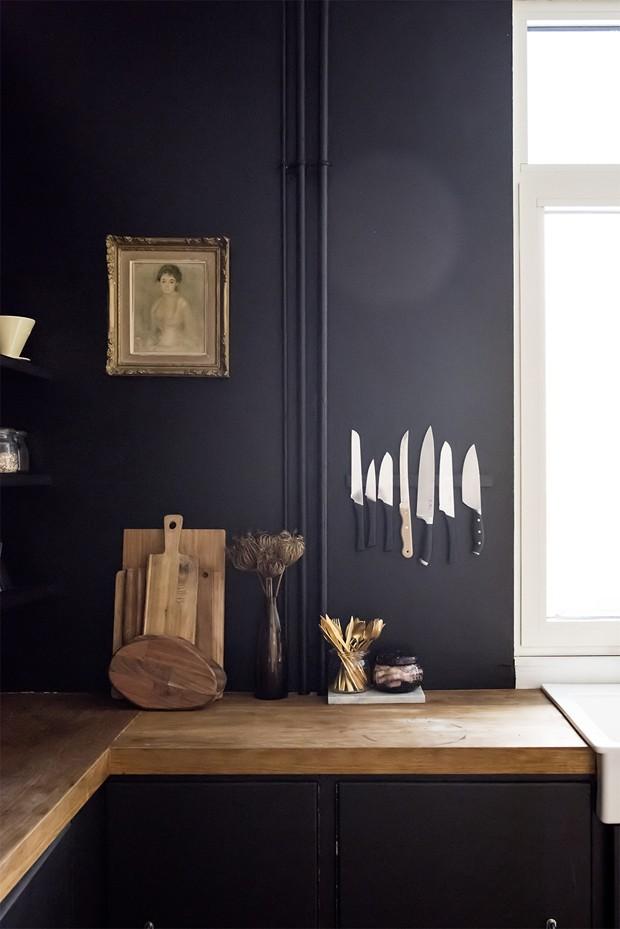Tendência de cores: cozinha preta está com tudo (Foto: Divulgação)