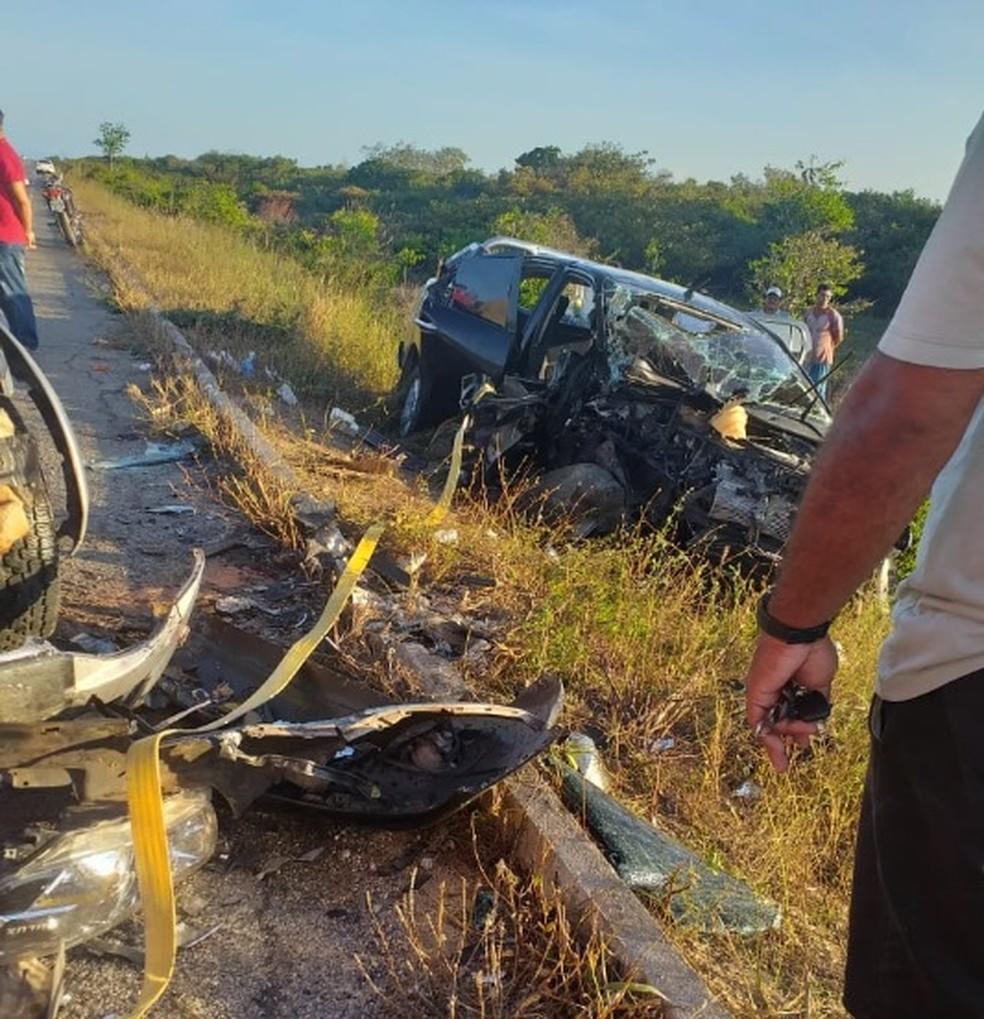 O acidente envolvendo duas caminhonetes ocorreu nesta quinta-feira em Itarema, interior do Ceará. — Foto: Reprodução/SVM