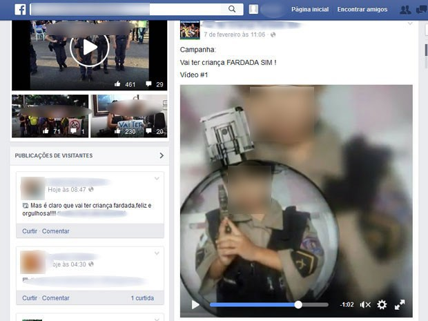 Páginas das comunidades no Facebook passaram a publicar fotos de crianças uniformizadas. Criança segura arma que parece ser de brinquedo (Foto: Reprodução/Facebook)