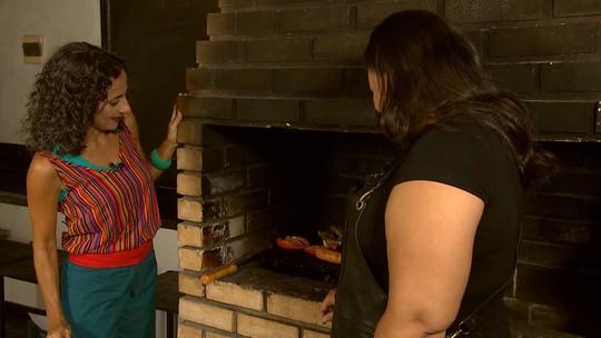 Maria conhece duas mulheres que arrasam no churrasco