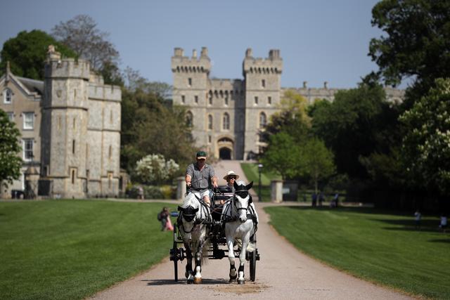 Carruagem com o Castelo de Windsor ao fundo: preparativos para o casamento de Harry e Meghan já começaram (Foto: Divulgação)