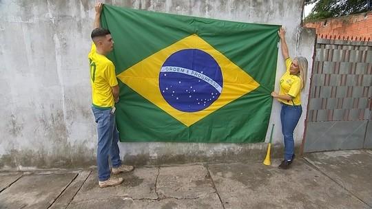 Moradores decoram ruas na região de Itapetininga para a Copa do Mundo