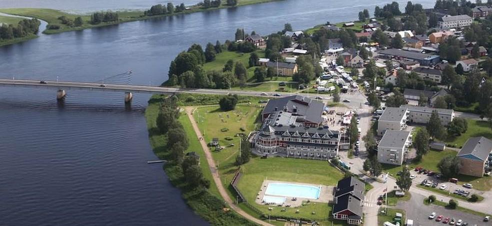 Vista aérea da hoje localidade de Överkalix, que tem menos de mil habitantes  (Foto: BBC)