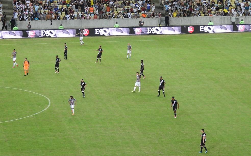 Vasco conseguiu marcar bem defensivamente também  (Foto: Hector Werlang)