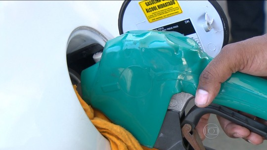 Depois da gasolina, álcool dispara e deixa motoristas sem opção