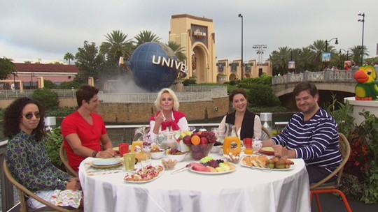 Ana Maria toma café da manhã com elenco de 'S.O.S: Mulheres ao Mar 2'