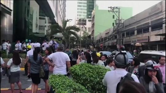 Terremoto derruba prédios e causa mortes nas Filipinas