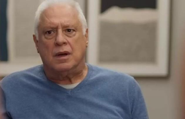 No sábado (11), Alberto ficará desolado ao descobrir que Nana perdeu o bebê (Foto: TV Globo)