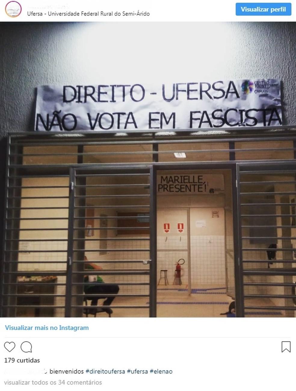 Faixa na Faculdade de Direito da Ufersa, no Rio Grande do Norte — Foto: Reprodução/Instagram