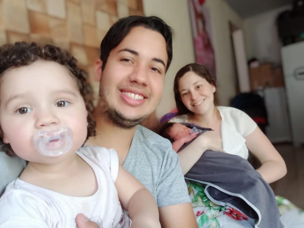 Parto do bebê Miguel Davi ocorreu na casa da família, em Votorantim — Foto: Arquivo Pessoal/ Joyce Silva