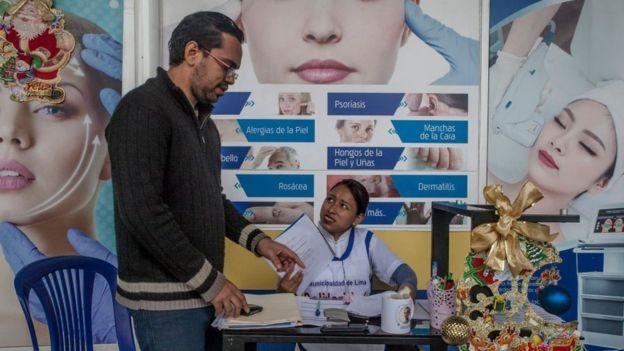 A União Venezuelana no Peru defende mandar trabalhadores venezuelanos para regiões onde há déficit de mão de obra qualificada (Foto: Getty Images/BBC)