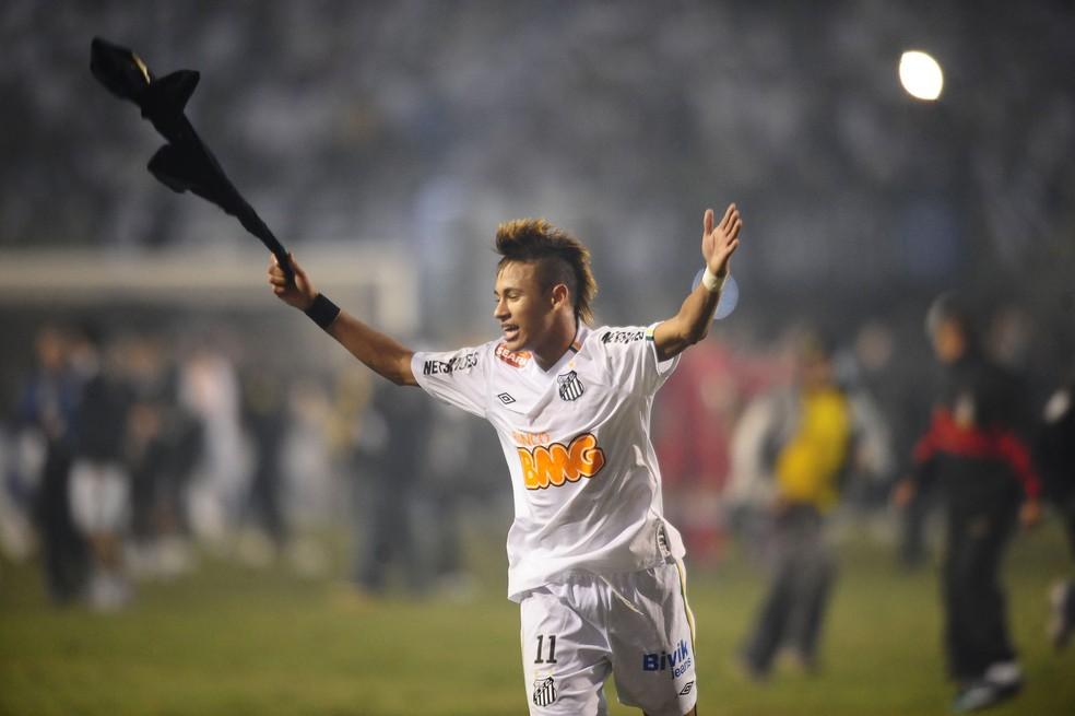 Neymar fez gol na final da Libertadores de 2011 e ajudou o Santos a levar o título contra o Peñarol (Foto: Marcos Ribboli)