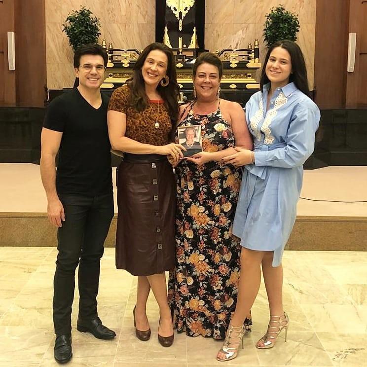 Jarbas Homem de Mello, Claudia Raia, Olenka Raia e Sophia Raia (Foto: Reprodução/Instagram)