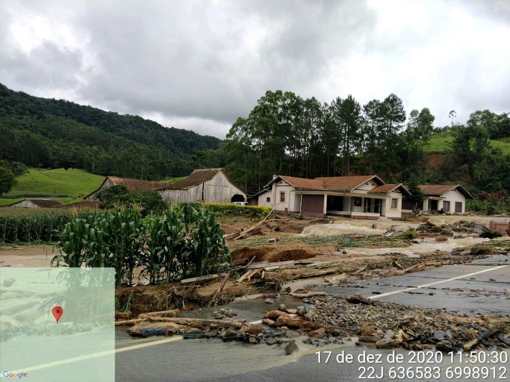 Temporal em Rio do Sul, no vale, também causou estragos — Foto: Corpo de Bombeiros/Divulgação
